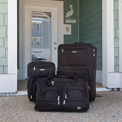 ROCKLAND<sup>®</sup> 3-Piece Luggage Set - This durable, 3-piece expandable luggage set includes two expandable uprights and a 22